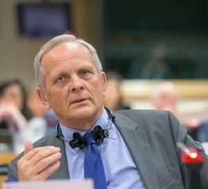Stolojan: UE a fost depasita de situatie, dar s-a apucat de treaba. Refugiatii vor fi triati