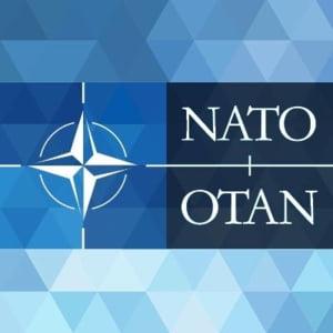 Stoltenberg: NATO examineaza diferite optiuni privind o implicare suplimentara in Orientul Mijlociu