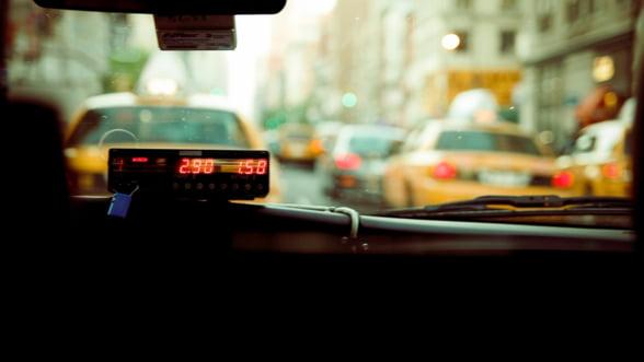 Studiile arata ca un roman circula in medie de 17 ori pe an cu taxiul. Iata de ce nu functioneaza Ride-sharing-ul in Romania!
