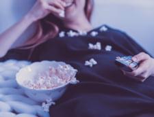 Studiu: Romanii petrec mai mult timp vizionand filme online si din ce in ce mai putin pe Facebook