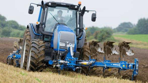 Subventia la motorina: Fermierii trebuie sa depuna cereri pana la sfarsitul lunii