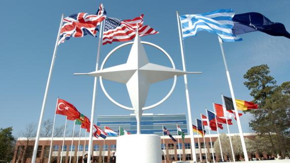 Summit NATO: Reintoarcerea la Razboiul rece? Se cer bani de inarmare
