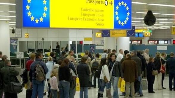 Suntem peste tot acasa: Numarul romanilor angajati in Marea Britanie a crescut cu 15%