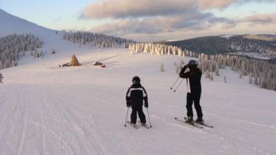 """Sute de turisti sunt asteptati la schi la cea mai mare altitudine din tara, in """"Elvetia Romaniei"""""""
