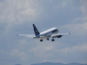 TAROM: Cand vom zbura cu noile avioane Boeing. Ministrul anunta o crestere salariala de 10% si are in vedere o concediere colectiva