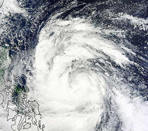 Taifunul Nesat loveste Hong Kong-ul