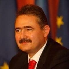 Tanasescu: Vom asista la o noua configuratie a sistemului financiar