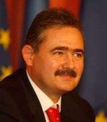 Tanasescu: concedierile ar scapa economia de birocratie