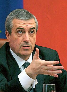 Tariceanu: Basescu se roaga in genunchi la FMI