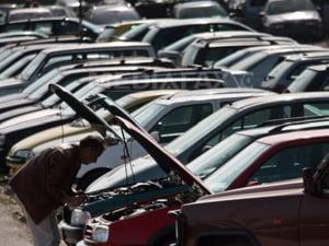 Taxa auto a scumpit masinile second hand cu 300 de euro
