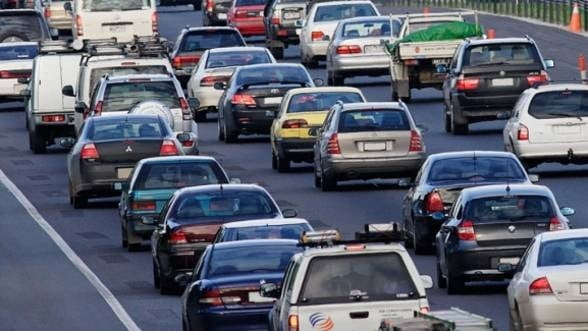 Taxa auto ar putea fi calculata diferit pentru benzina si diesel