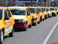 Taximetristii fac protest in fata Guvernului. 1.500 de masini au venit deja si s-au impus restrictii de trafic