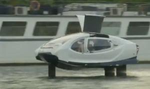 Taxiurile zburatoare SeaBubbles sunt testate la Paris