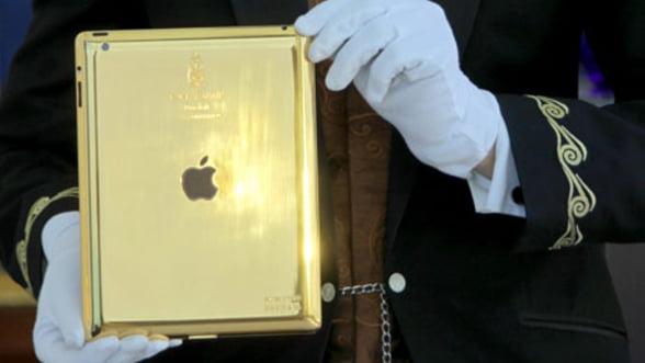 Te cazezi la Burj Al Arab? Primesti un iPad imbracat in aur, pe perioada sederii