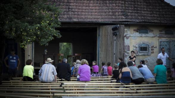 Teatru de vara la tara: Cultura'n sura la a IV-a editie!