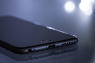 Telefoanele iPhone ar putea sa nu mai fie produse in China, din cauza lui Trump