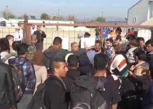 Tensiuni la frontiera Macedoniei cu Grecia, unde s-a inceput constructia unui gard metalic