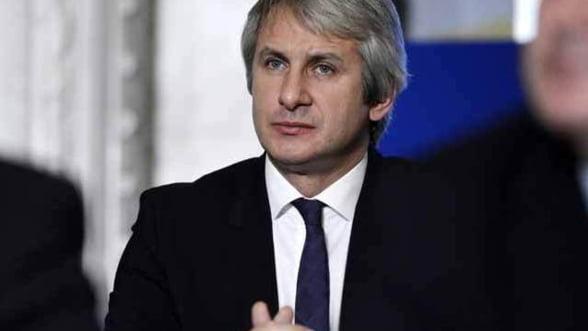 Teodorovici: Constructia a 1.500 de scoli este oprita din cauza lipsei de fonduri