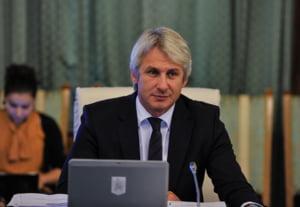Teodorovici nu e de acord cu Isarescu pe Codul Fiscal: Sub nicio forma nu revenim asupra masurilor