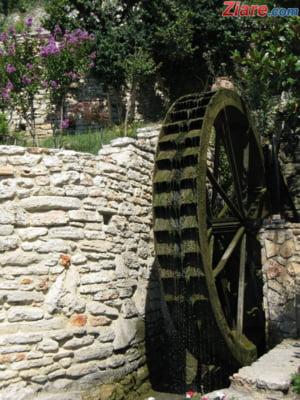Teodorovici vrea TVA de 9% la apa, pentru a ajuta agricultura