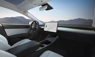 Tesla anunta o noua versiune a sedanului Model 3, care va costa 45.000 de dolari