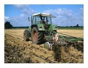 Tinerii fermieri pot solicita, din 1 septembrie, finantare pentru instalarea in mediul rural