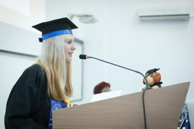 Tinerii romani pot apela acum la consultanta cand aleg sa-si continue studiile