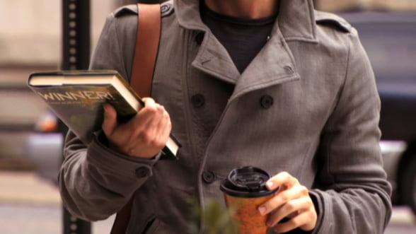 Tinuta business de primavara: Poarta un trenci clasic