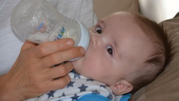 Tipuri de lapte praf recomandate pentru hrana optima a bebelusilor