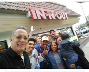 Tom Hanks le-a platit mancarea tuturor clientilor unui fast-food (Foto)