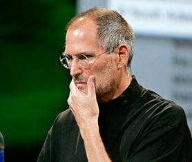 "Top momente stupide in afaceri: Jobs catre posesorii de iPhone 4 - "" Nu-l tineti cum trebuie"""