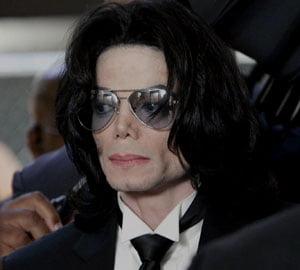Topul celebritatilor care castiga milioane de dolari si dupa moarte