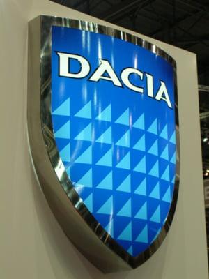Toyota Etios va concura cu Dacia Logan in Rusia