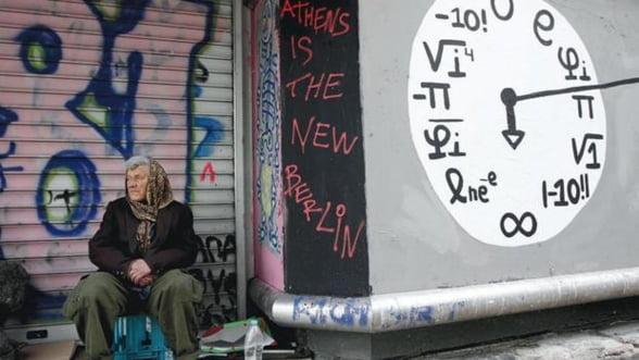 Tragedia elena: Dupa criza, raman ruinele