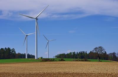 Transelectrica: 70% din energia produsa in acest moment in Romania este din surse regenerabile