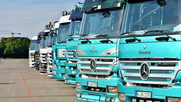 Transportatori: Planul de masuri anuntat de Guvern pare a fi facut pentru a salva bancile si multinationalele, nu IMM-urile si populatia