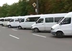 Transportatorii au intrat in greva: In 11 judete deja nu circula microbuzele si autobuzele