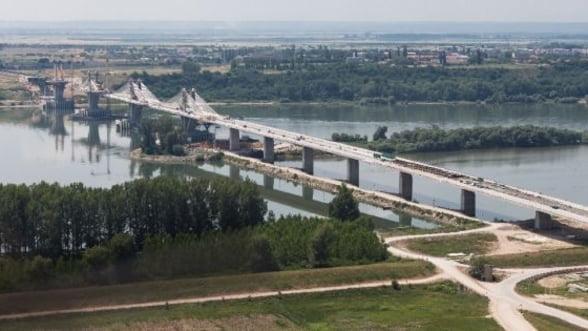 Traversarea podului Calafat - Vidin va costa automobilistii cate 2 euro