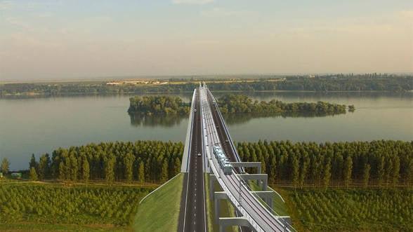 Trenurile vor incepe sa circule pe Podul 2 peste Dunare din februarie 2014
