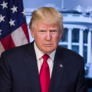 Trump, in drum spre Helsinki, ataca iar presa: Este dusmanul poporului. Daca Putin mi-ar da Moscova, ar cere si Sankt Petersburgul