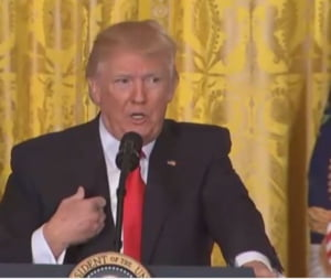 Trump sperie mapamondul vorbind despre un holocaust nuclear, daca relatia cu Rusia se inrautateste (Video)