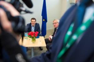 Tsipras isi bea cafeaua cu Juncker, la prima ora - ultima suta de metri pentru Grecia