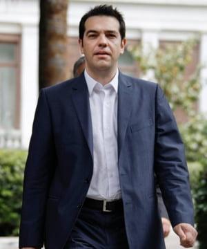 Tsipras merge in vizita la Putin: Va risca UE sa fie facuta de ras de Grecia, o tara in prag de faliment?