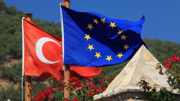 Turcia forteaza mana UE: Eliminati vizele pana in octombrie sau renuntam la acordul pentru refugiati