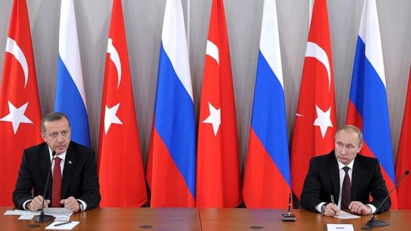Turcii ar cumpara din nou rachete de miliarde din Rusia, desi sunt scumpe si nu sunt compatibile NATO