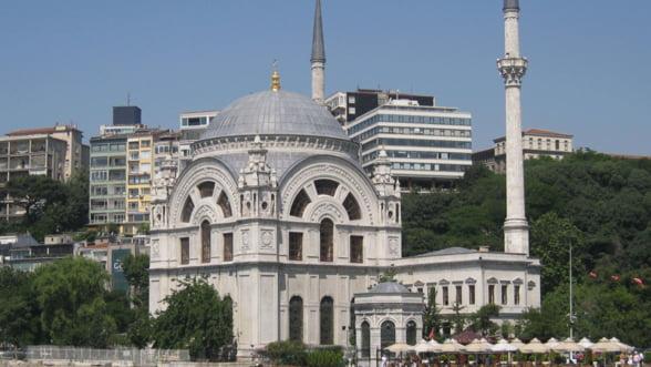 Turcii construiesc hoteluri de 1,3 miliarde de dolari in Istanbul. Stiu ei ceva?
