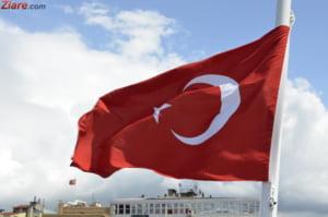 Turcii dau un ultimatum UE: Fara vize pana in octombrie sau dam drumul la refugiati