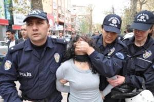 Turcii se lauda ca au retinut aproape 6.000 de suspecti de legaturi cu Statul Islamic. Jumatate din ei sunt straini