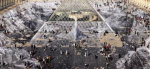 Turistii au distrus in cateva ore o lucrare de arta de la Luvru (Foto)