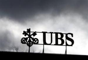 UBS da salarii cu 50 % mai mari angajatilor importanti, de frica sa nu-i piarda
